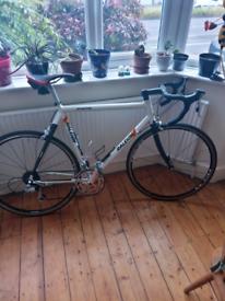Carbon composit road bike 8spd