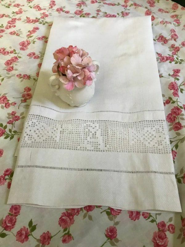 AnTiQuE European DAMASK Huck LINEN * MONOGRAM A Filet LACE * BATH TOWEL