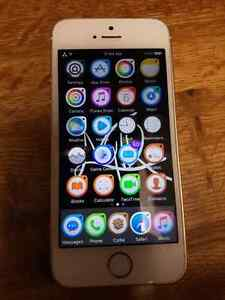 Gold iphone 5s   8/10 condition Kitchener / Waterloo Kitchener Area image 1