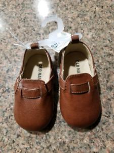 Old navy 6-12m boy shoe