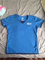 New style girl guides t-shirt and handbook