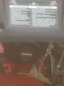 craftsman 27 inch snowblower like new great shape