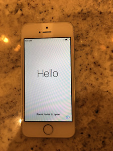 iPhone SE WHITE  MINT Condition 16gb with Bell