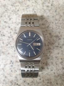 10)Men vintage seiko Quartz watch.