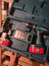 Makita cordless drill: box, charger and spare battert