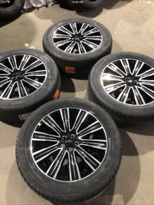 "OEM 20"" Ford Edge Packages 245/50R20 Kumho; 255/50R20 Toyo"