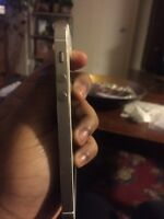 IPHONE 5s 16GB GOLD AND WHITE