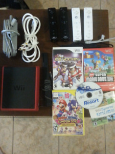 Wii Bundle, 5 games, 4 controllers