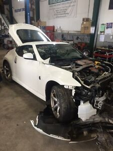 Parting out 2011 Nissan nismo 370z