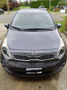 2013 Kia Rio SX 4dr Hatchback - Low KM's and Fully Loaded!