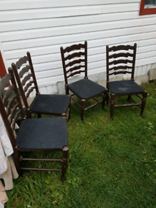 Table and 4 chairs fs