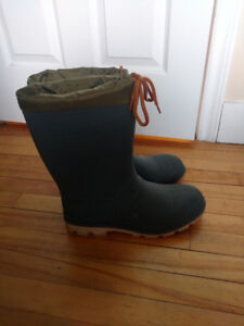 Kamik Rubber boots size 11 Men