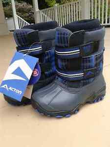 winter boots -size 10 * bottes d'hiver - grandeur 10