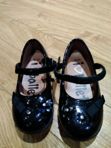 Toddler girls formal black ballets - Size 8