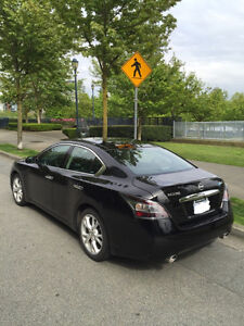 2012 Nissan Maxima 3.5 SV with premium and navigation pkg