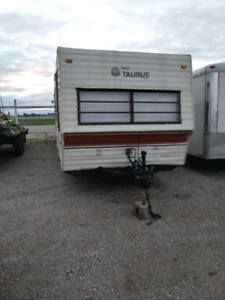 34 foot Terry Taurus by Fleetwood camper late 80's