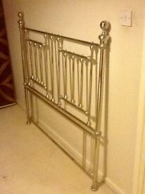 Headboard to fit a double bed, in metal.