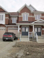 Townhouse for rent in Maple, Ontario