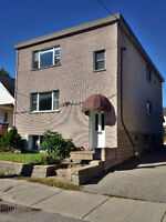 Bright 2 bdrm on top floor of triplex - minutes from downtown