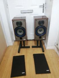 B&W 110i speakers