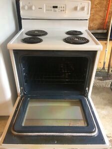 For Sale: Kenmore Stove