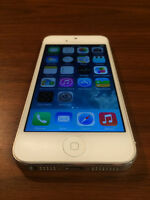 Rogers or Chatr iPhone 5 16GB White - READY TO GO!!