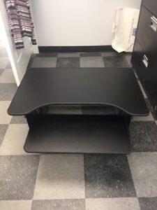 Rocelco Height Adjustable Sit/Stand Desk Computer Riser