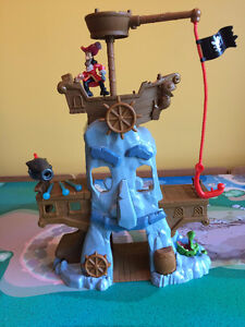 Jake and the Neverland Pirates - Hook's Adventure Rock Playset