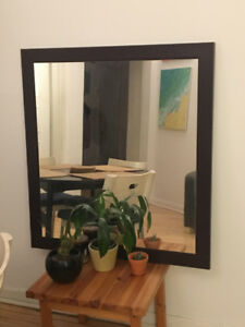 Wall-hanging mirror