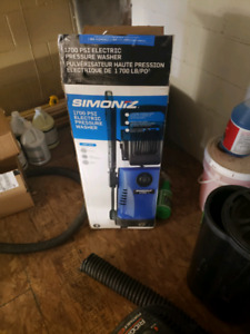 New 1700 psi electric pressure washer