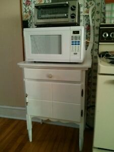 Vintage wash stand or microwave cart