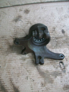 ARCTIC CAT LEFT FRONT KNUCKLE SPINDLE