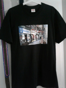 Supreme hardware tee size medium