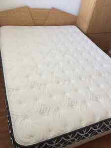Like new matress for sale for only $500. Real price $1,000 Kitchener / Waterloo Kitchener Area image 1