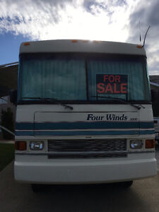 LOW KM's, Very Good Condition Class A Motorhome