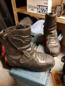 Motorcycle boots - Alpinestars black leather. Size 10.5