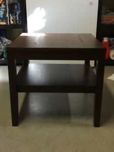 Beautiful, undamaged, walnut finish coffee table