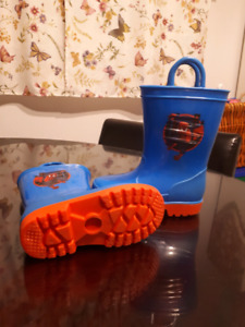 Spider man rubber boots size 8t