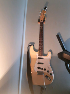Squier Vintage 70s modified strat brand new condition