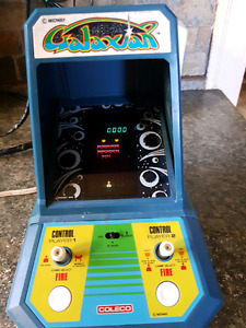 Vintage Caleco table top game