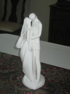 ROYAL DOULTON figurines $100 - $175 Sarnia Sarnia Area image 3