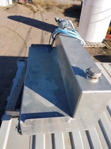Slip tank with hose