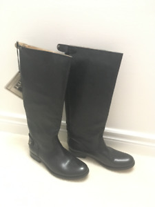 MUST SEE - all leather boots by FRYE