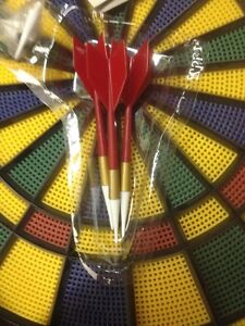 DART BOARD WITH 6 DARTS IN BOX/GAMES/SPORTS London Ontario image 2