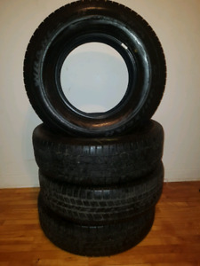 Excellent condition 265 70 17 goodyear wrangler tires