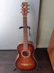 Art and Lutherie Ami Cedar Antique Burst Parlour Guitar