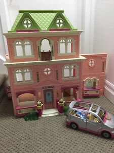 Fisher Price Loving Family doll house and accessories