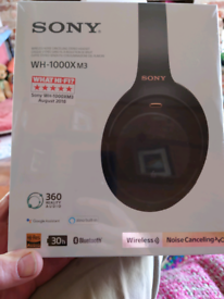 Sony noise reducing headphones