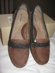 Array Loafers, Size 9M - LIKE NEW