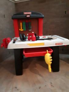 Table et outils pour enfants!!